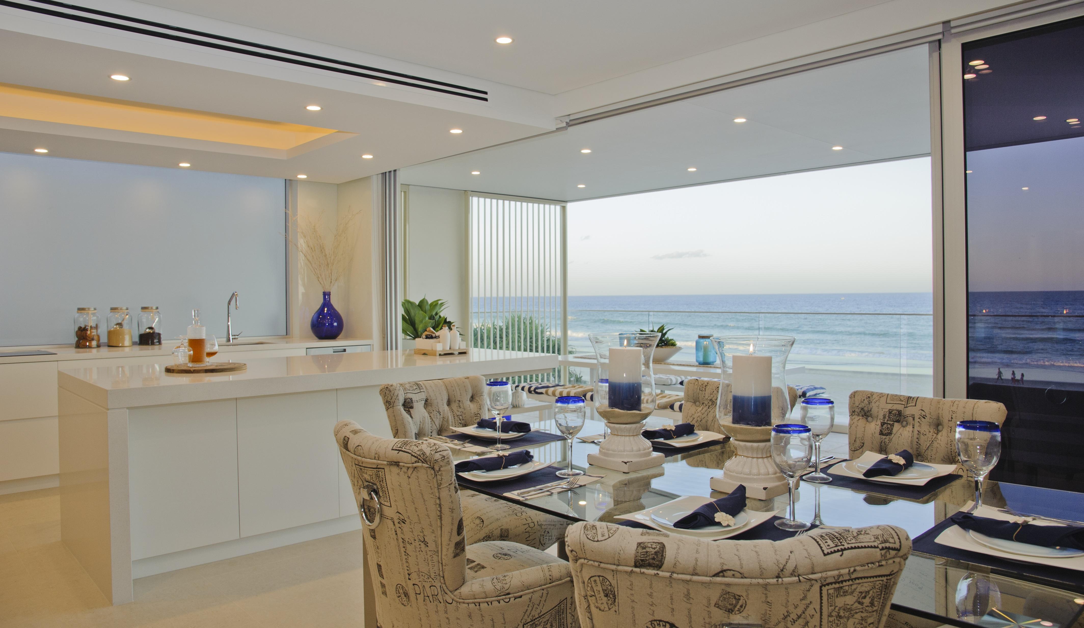 Palm Beach – JOY ON JEFFERSON - Emicon
